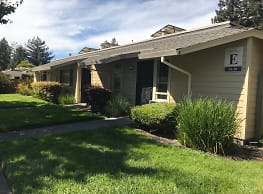 Copeland Creek Apartments - Rohnert Park