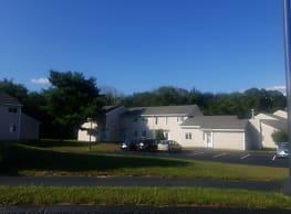 Brookside Village Apartments - Pawcatuck