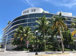 One Ocean Residential-Swimming Pool-Retail-Restaurant Parking - Miami Beach