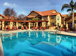 Coronado Crossing Apartments - Chandler