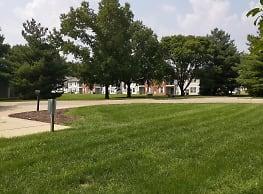 Village Quarter Apartments - Terre Haute