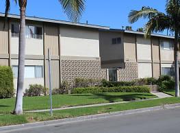 1630 Bedford Lane - Newport Beach