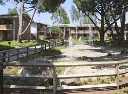 Oakridge Apartments - Santa Clara