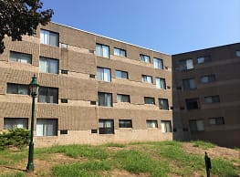 Woodview Apartments - East Haven