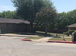 L C Rutledge Apartments - San Antonio