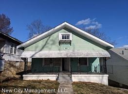 2 br, 1 bath House - 4335 Chestnut Avenue - Kansas City