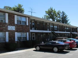Stonebrook Apartments - Scottsburg