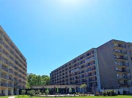 Center Square Towers - Doylestown