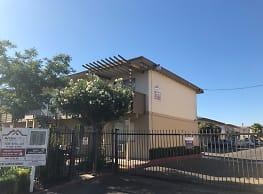 Amas 1 Villa Apartments - Sacramento