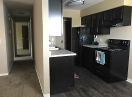 Willow Creek Apartments - Omaha