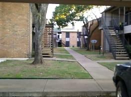 500 Flats - Fort Worth