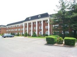 Summit House Apartments - West Orange