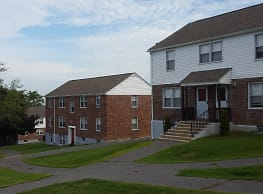 Hillcrest Manor Apartments - Utica
