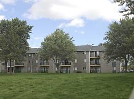 Sutton Hill Apartments - Des Moines