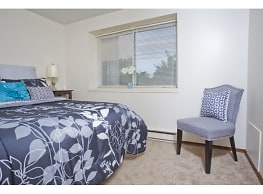 Mall Apartments - Chicopee