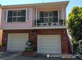 4 br, 3 bath House - 147 Gladeview Way - - San Francisco