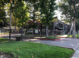 The Vineyards Apartment - Lodi