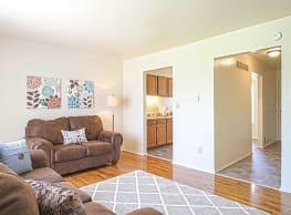 Country Way Apartments - Saginaw