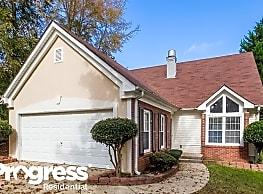 632 W Manor - Peachtree City