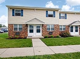 Villas Apartments - Rittman