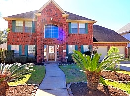 This 4 bedroom, 2.5 bath has 2,728 square feet of - Pearland