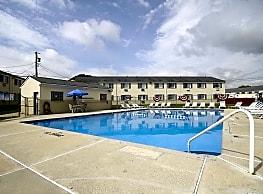 Laurelton Village Apartments - Williamstown