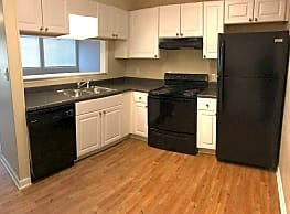 Foxcroft Apartments - Statesville