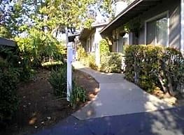 Hillside Terrace - Fallbrook
