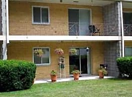 Hillcrest Apartments - South Bend
