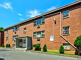 Farmington Gates Apartments - New Britain