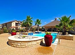 The Riviera Apartments - Waco