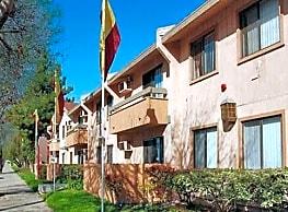 Balboa Pointe Apartments - Van Nuys