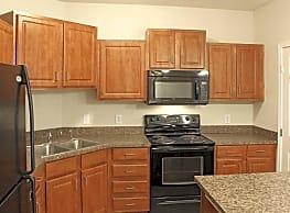 Lakeville Woods Apartments - Lakeville