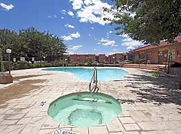 Sierra verde apartments las cruces nm 88011 for Public swimming pools in las cruces nm