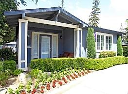 Foxwood Apartment Homes - Fresno
