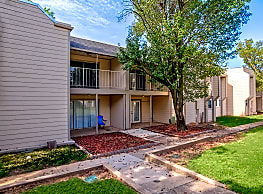 Turnberry Apartments - Norman
