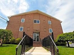 Rutgers Court Apartments - Belleville
