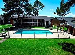 Fox Hill Apartments - Baton Rouge