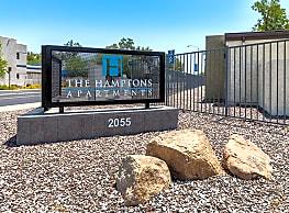 The Hamptons - Mesa