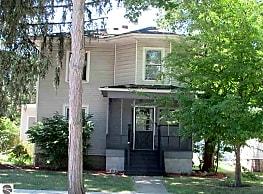 812 S University Ave - Mount Pleasant