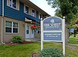 Oak Street Townhomes - Saint Cloud