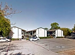 La Laguna Apartments - Dallas