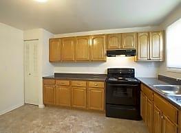 Deerfield Windsor Apartments - Windsor