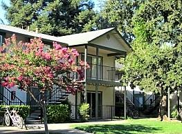 Redwood Cove Apartments - Chico