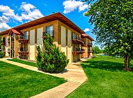 Four Seasons Apartments - Emporia