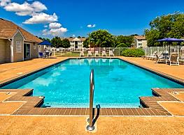 Bridgeport Apartments - Hampton