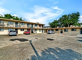4709 Maxwell Ave - El Paso