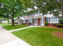 Kent Farm Apartment Homes - East Providence