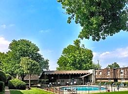 Coachlight Apartments - Midwest City