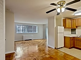 Broadfalls Apartments - Falls Church